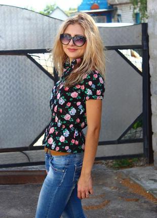 Блуза, рубашка в цветочек.очень крутая,см так же др вещи,много интересного!