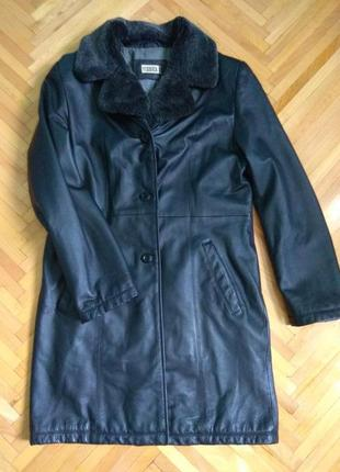 Кожаная куртка, пальто.