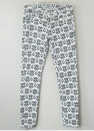 Хлопковые штаны джинсы скинни skinny с принтом 46 р. от zara