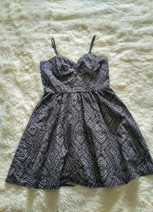 Платье летнее короткое с орнаментом