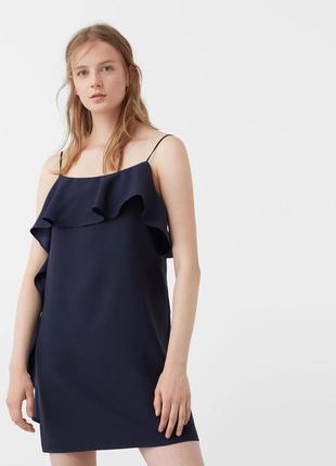 Синие платье с воланом mango