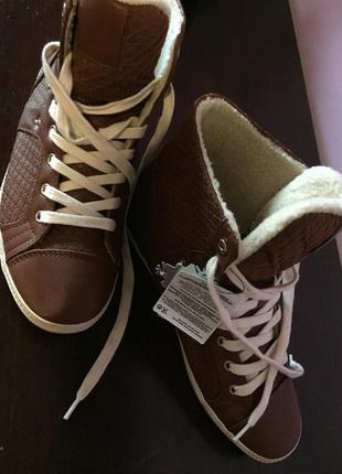Ботинки сникерсы кроссовки bershka р.39 стелька 25 см