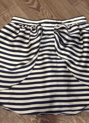 Легкая шикарная юбка выше пупка