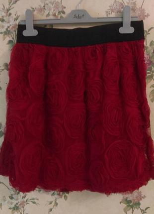 Красная фатиновая юбка в розы atmosphere