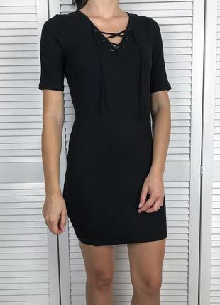 Чорне плаття в рубчик з зав'язками від ff