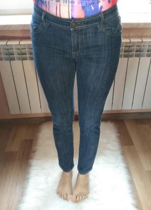 Плотные базовые темно-синие джинсы скинни next. размер м