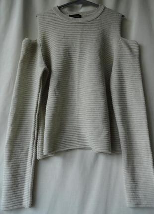 Легкий  летний свитерок с открытыми плечами