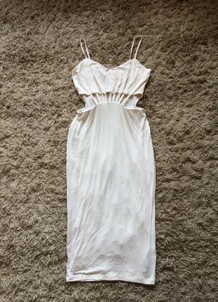 Шикарное миди-платье с вырезами на животе