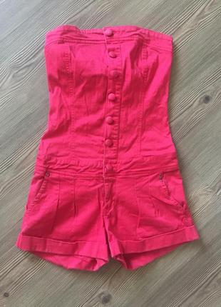 Красный комбинезон с шортами ромпер