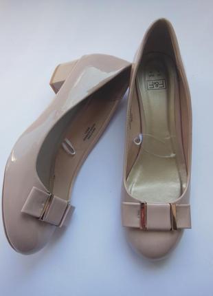 Туфли на каждый день на удобном каблуке