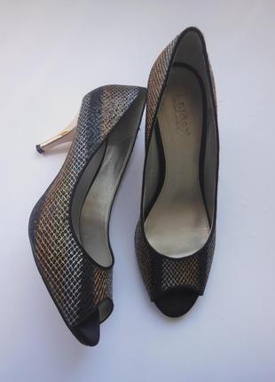 Стильные туфли на удобном каблуке