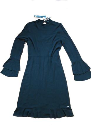 Шикарное  платье с вискозы /класика /италия