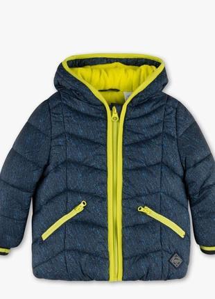 Очень красивая брендовая курточка на мальчика. размеры - 74, 80, 86.