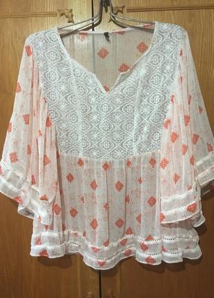 Легкая блуза разлетайка от  united colors of benetton