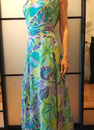 Красивое качественное длинное платье цветочный принт в пол с v-образным вырезом