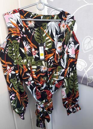 Очень стильная блуза с оголенными плечами на запах autograph. большого размера xxl