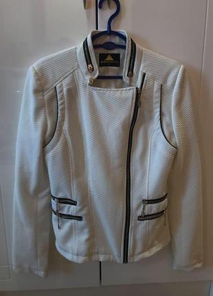 Белый жакет пиджак zara