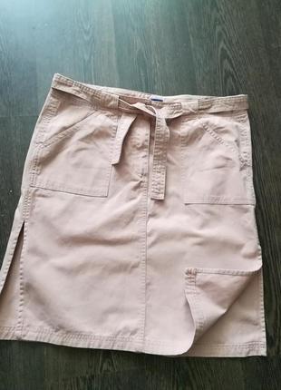 Пудрово-розовая котоновая юбка с боковыми разрезами