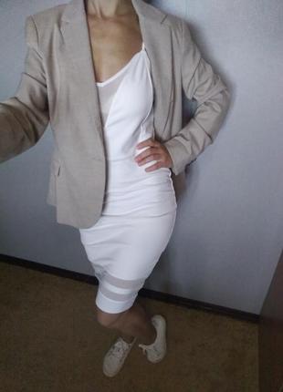 Красивое белое платье от голландского бренда coolcat