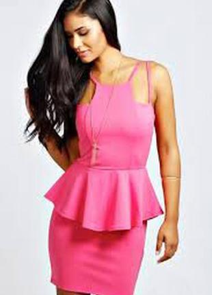 Розовое платье с баской boohoo