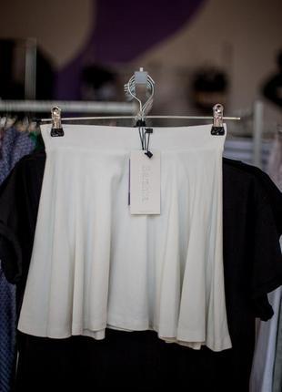 Белая юбка от bershka