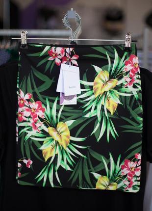 Офигительная юбка с тропическим принтом от bershka