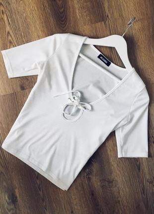 Стильная футболка на завязке