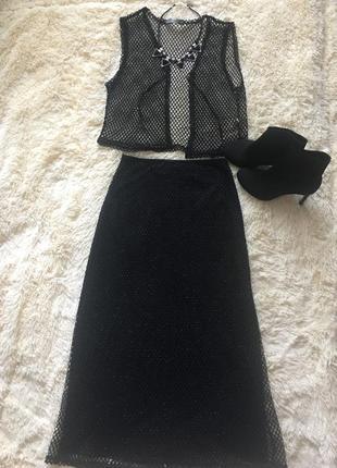 Нарядный чёрный костюм