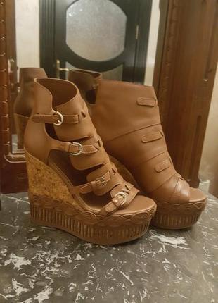 Очень стильные туфли из натуральной кожи