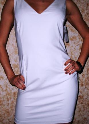 Белое классическое платье