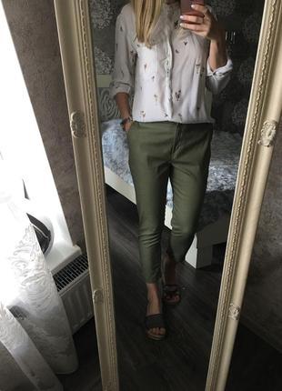 Укорочённые брюки хаки