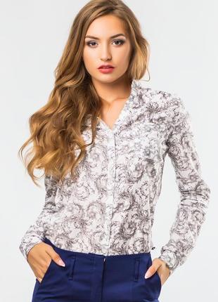 Рубашка женская белая с узором на стойке