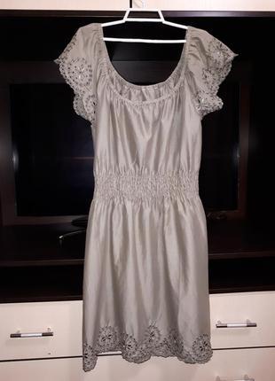 Красивое оливковое котоновое платье раз.l-xl