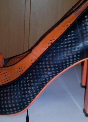 Туфли кожаные оригинальные  basconi р.39