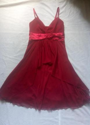 Нарядное бордовое платье для праздника