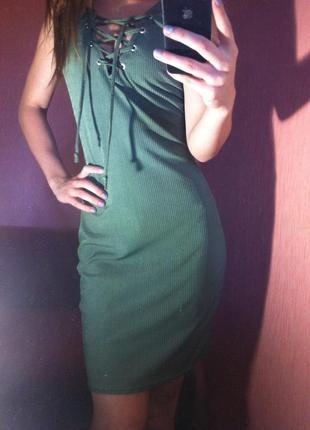 Платье хаки на шнуровке missguided