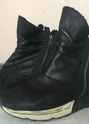 Супер кожанные ботинки на осень