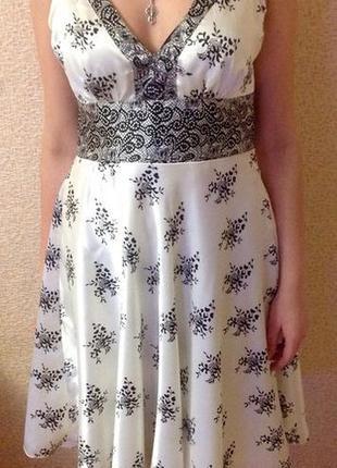 Супер платье белого цвета