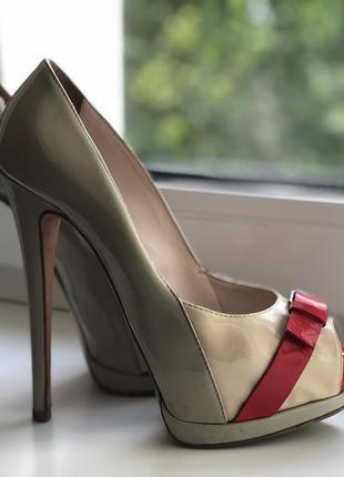 Красивые туфли nursace