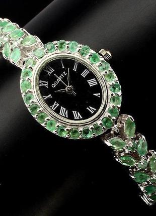 Серебряные часы 925 проба с натуральными изумрудами .