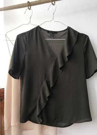 Блуза футболка с рюшей