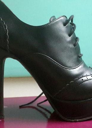 Черные ботинки, ботильоны на платформе, высокий каблук 36 размер