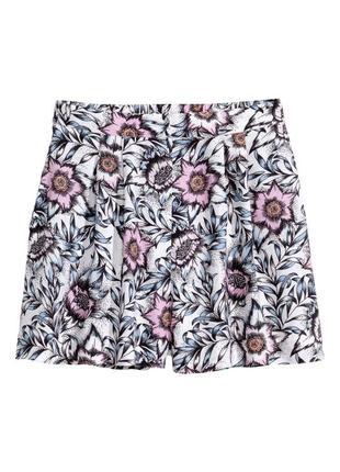 Sale!!! до 1.08! шорты в цветочек на резинке h&m