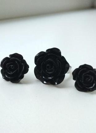 Комплект черные розы кольцо и серьги
