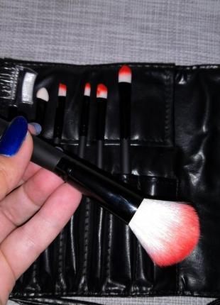 Набор кистей для макияжа 7 шт. в футляре на завязках