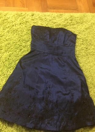 Раскошное платье бандо от jane norman