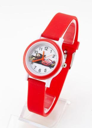 Часы с тачками,красные