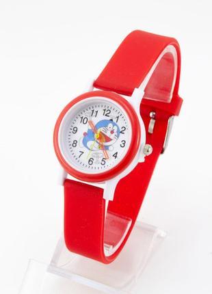 Часы с котом в красном цвете