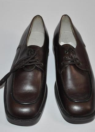 Коричневые детские кожанные туфли италия