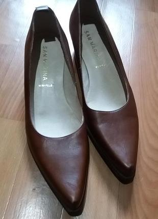 Туфли. туфли на низком каблуке.